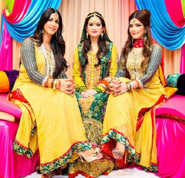 Latest Pakistani Mehndi Dresses 2019