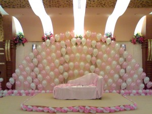 6-ballons-wedding-stage-decoration-ideas