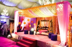 Best-Pakistani-wedding-stage-decoration