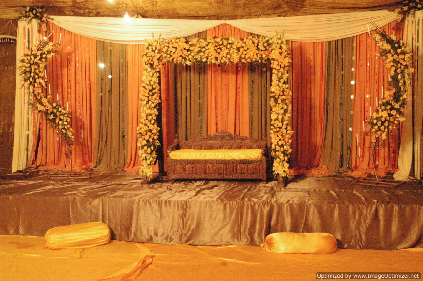 Latest pakistani mehndi stage designs mehndi stage for Design dekoration