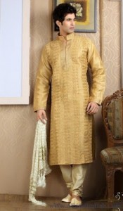 Mehndi-Dress-For-men-_-New-Kurta-design-for-mens-4