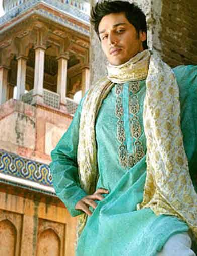 Latest Pakistani Mehndi Dresses For Men