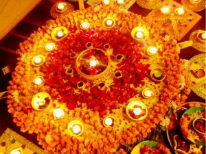 Mehndi-yellow-flowers-oil-lamps-decoration