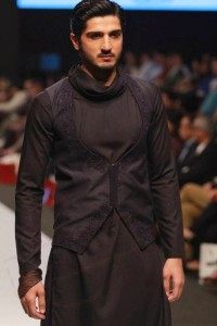 Men-Sherwani-Fashion-2015-by-FashionTV