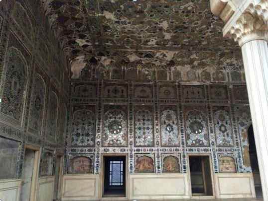 Mirrors Palace - Shahi Qila