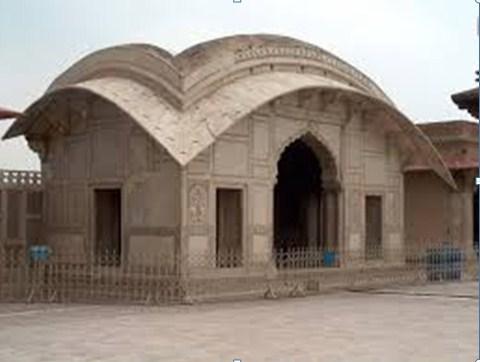 Naulakha Pavilion - Shahi Qila