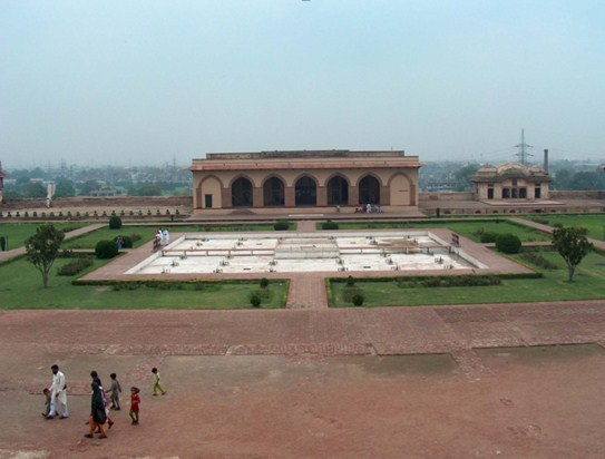 Sleeping Chamber - Shahi Qila
