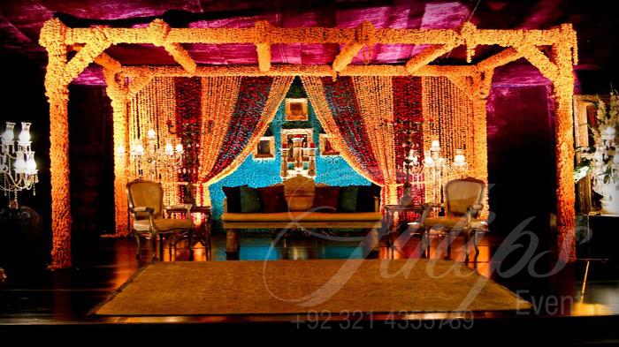 Mehndi Stage Decoration Lahore : Latest pakistani mehndi stage designs