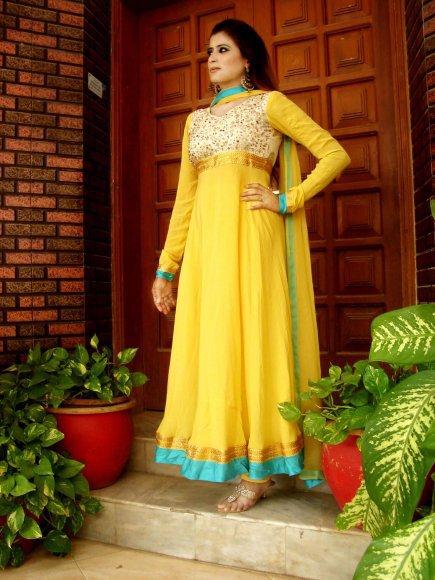 Latest Pakistani Mehndi Dresses - New Mehndi Dresses 2019