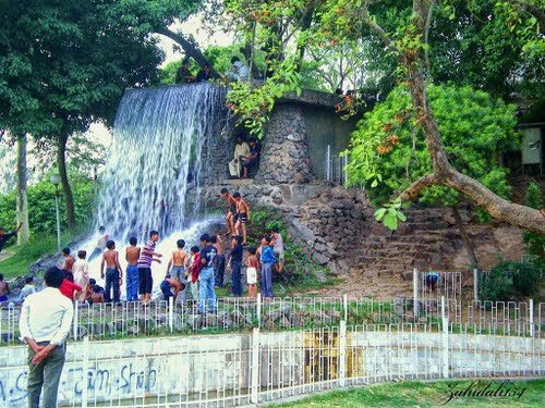 gulshan -e-iqbal park Lahore