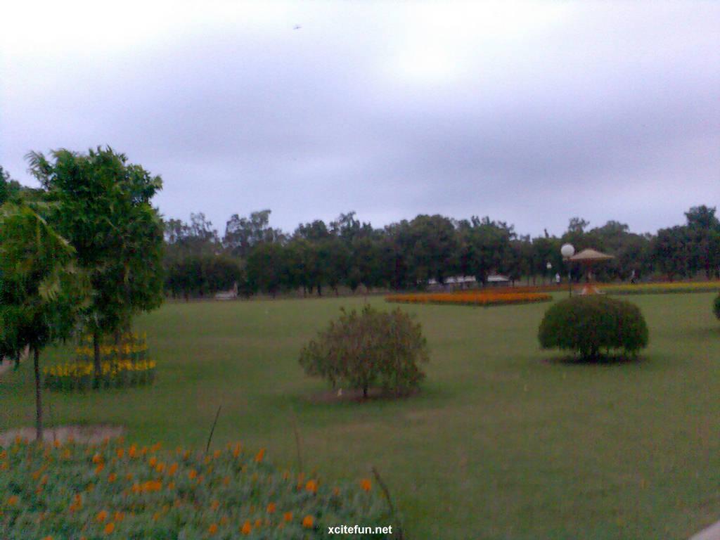 Lahore Iqbal Park
