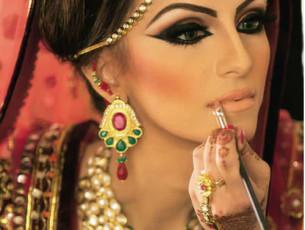 7.-Tips-to-Apply-Bridal-Makeup-At-Home-305x230