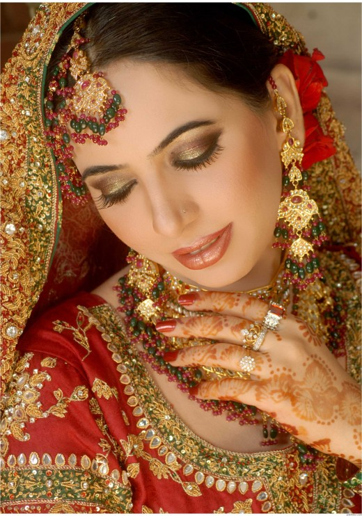 Allenora Bridal Makeup Pics Lahore : Best Bridal Makeup Salons In Lahore
