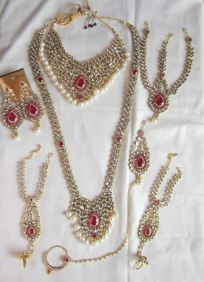 Used Wedding Dresses Under 100 Jewellery : Craftsvilla bridal dulhan wedding necklace set rani pink white pearl
