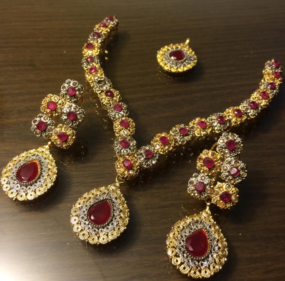Latest-Gold-Jewellery-Set-Design-for-Girls-2015-4