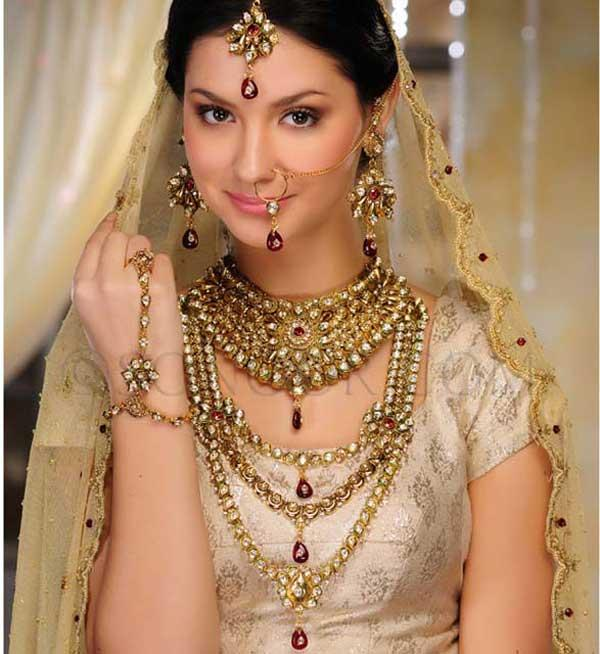 Latest-Gold-Jewellery-Sets-Designs-for-Bridal-2014-2015