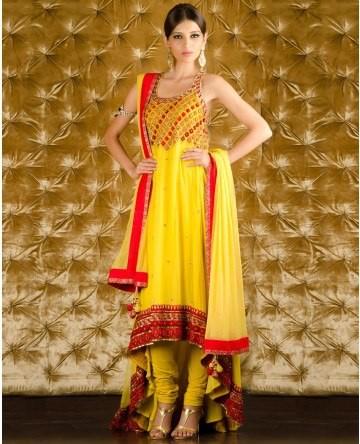 Latest-mehndi-dresses-for-brides-2013-9