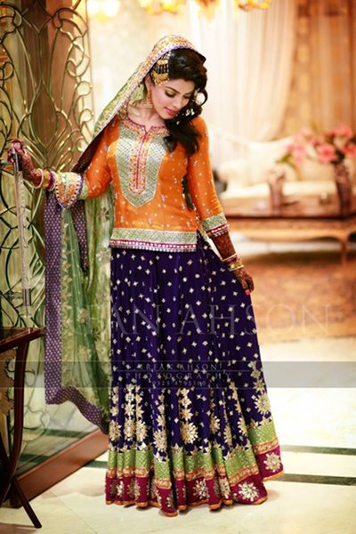 Pakistani-Beautiful-Bridal-Mehndi-Outfits-2015-005