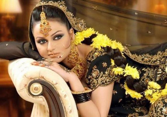 Traditional Mehndi Dresses 2011
