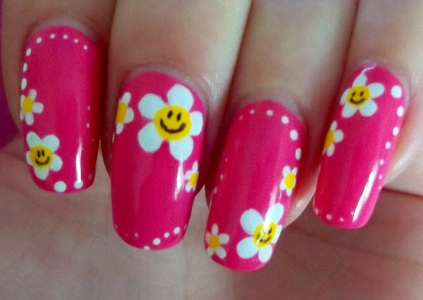 Simple-and-Pretty-Floral-Nail-Design