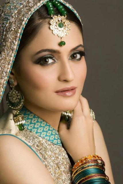 bridal-makeup-jewelry