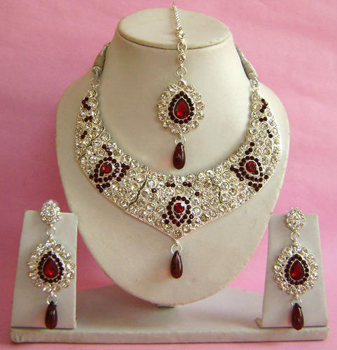 Artificial Jewellery Sets For Wedding: Beautiful Bridal Necklace Sets