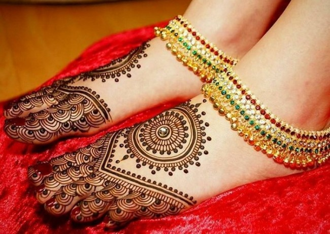 Arabic-Mehndi-Designs-For-Legs-Awesome-Collection-2-650x462