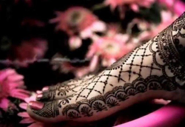 Arabic-Mehndi-Designs-For-Legs-Awesome-Collection5-650x447