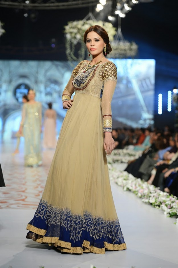 Asifa-and-Nabeel-Fashion-Designers-Bridal-Dress-at-Pantene-Bridal-Couture-Week