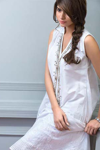 Bareeze_Embroidered_Classics_Exclusive_Swiss_lawn_Eid_Collection_2012_2013