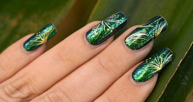 Colorful-Latest-Stylish-Eid-ul-Azha-Nail-Art-Designs-For-Women-Girls-00208