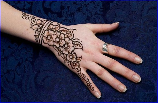 Eid-Chand-Mehndi-Design-Pics-Photos-2015