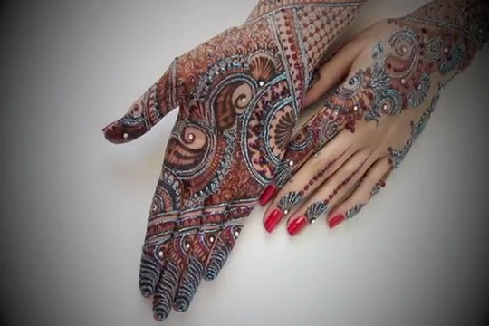 Glitter-Mehndi-Designs-For-Eid-Collection-2012-5
