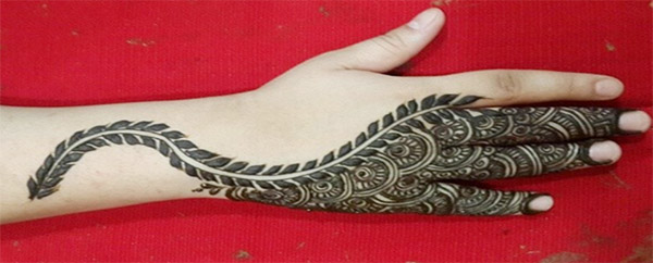 Gorgeous-Fancy-Henna-Designs-For-Bridals-3