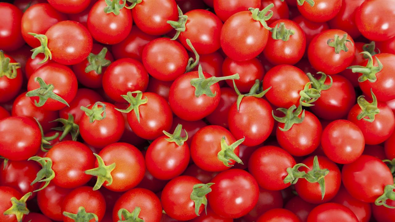 KitchenTips_HowToHalfCherryTomatoes_041415-img_1280x720