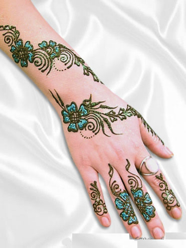 Mehndi-Design-on-Hand-and-Arm