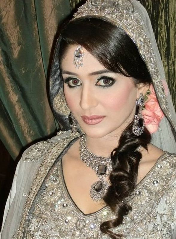 Pakistani-bridal-hairstyle