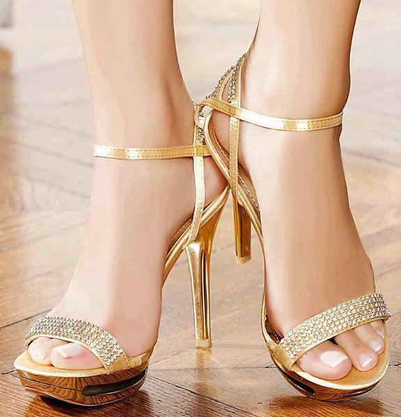 Party-High-Heel-Shoes-2015-In-Pakistan-0013