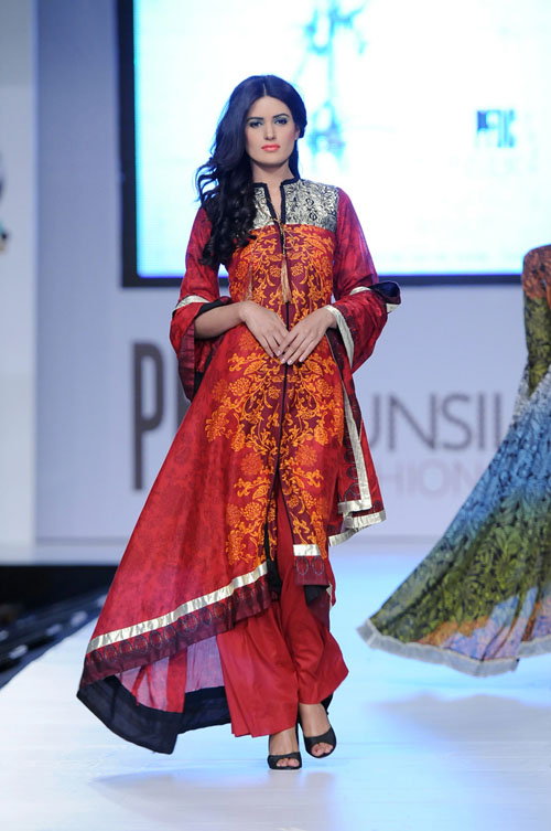 Sitara_Textile_at_PFDC_Sunsilk_Fashion_Week_2012_28