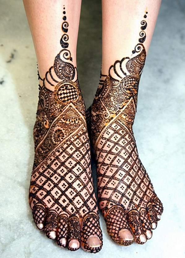Mehndi Designs For Legs 2017