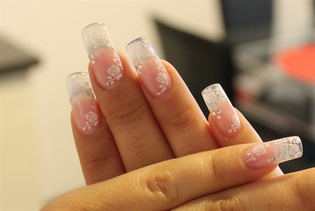glass-like-nail-art