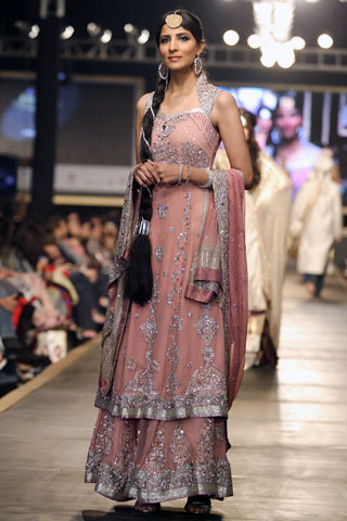 lajwanti_at_bridal_couture_week_24