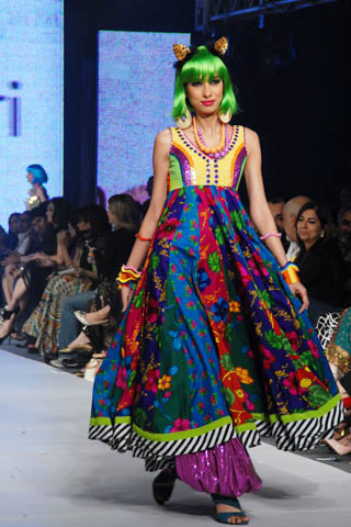 nomi_ansari_pfdc_sunsilk_fashion_week_26