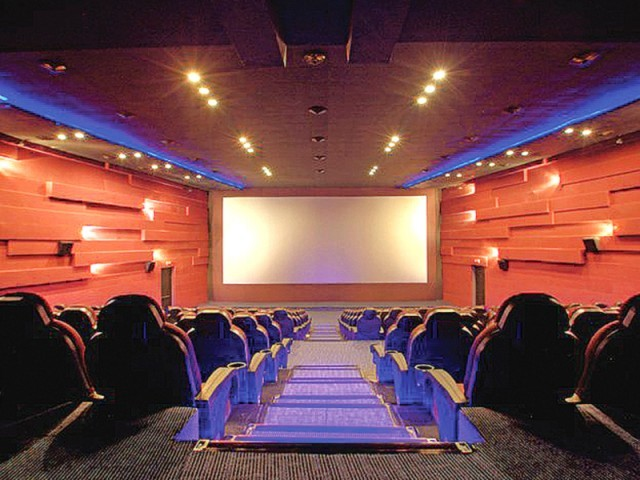 601186-Cinema-1378564107-360-640x480