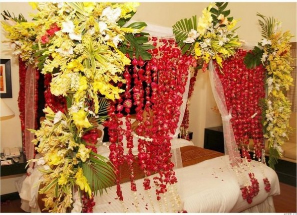 Beautiful-Bridal-Wedding-Bedroom-Decoration-Designs-Ideas-with-Flowers-Pakistan-India-Karachi-2015