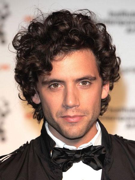 Curly-Hair-Styles-Men_2