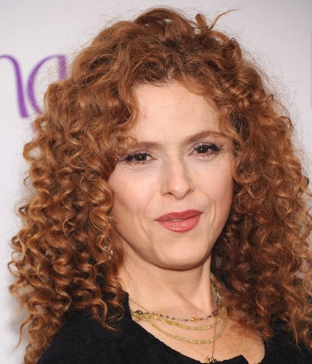 Hairstyles-For-Women-Over-50-With-Thick-Hair-7