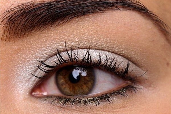 How-to-make-brown-eyes-pop