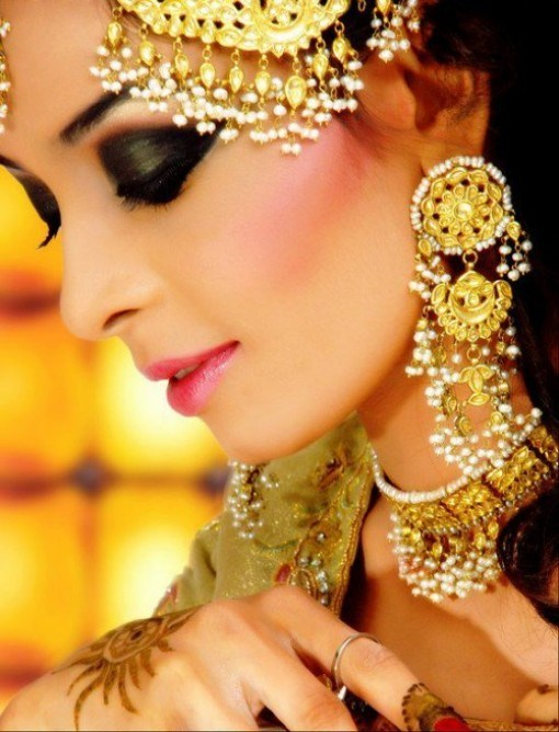 Smokey-Eye-Makeup-Ideas-For-Pakistani-Brides-0012