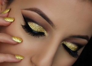 How to do Eye Makeup For Gold Smokey Eyes